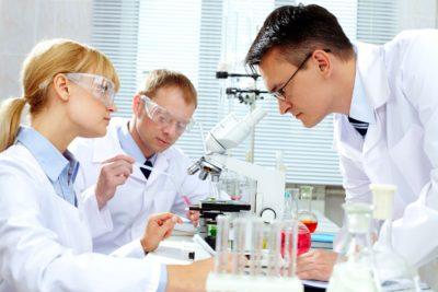 Микроскопическое исследование тканей в лаборатории