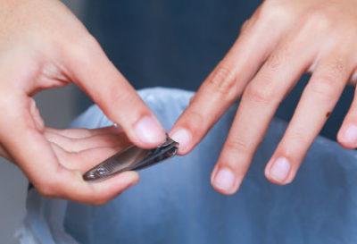 Подстригание ногтей