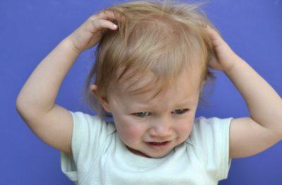 Чешется голова у ребенка