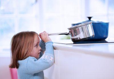 Ожог кипятком: первая помощь и лечение в домашних условиях