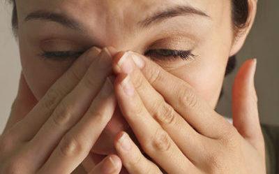 Попадание пыли в глаза