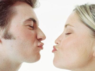 Передача герпеса на губах